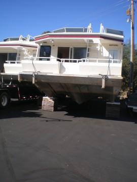 Renaissance houseboat on 'cribs' at Jones Valley Resort